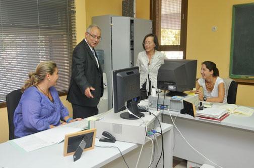 Un moment de la visita a les instal·lacions del Servei de Mediació Ciutadana