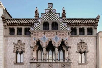 La casa Coll i Regàs, com a mostra de les arts moderni...