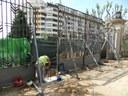 Aigües de Mataró inicia els treballs de restitució de la porta principal del parc Central