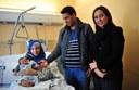 La regidora de Família visita el primer nadó mataroní nascut al 2014 a la ciutat