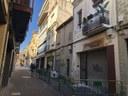 Desallotjat per problemes estructurals un immoble de planta baixa comercial i planta pis al carrer de Santa Teresa