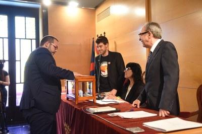 Votació David Bote (PSC). Foto: Marga Cruz