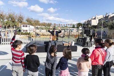 Jaume Ibars amenitza la festa d'inauguració del nou espai de Figuera Major. Foto: Sergio Ruiz