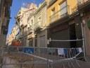 L'enfonsament parcial de dos immobles del carrer de Santa Teresa fa desallotjar per seguretat els edificis contigus
