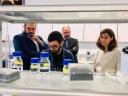 L'alcalde visita els laboratoris de l'empresa Nanotargeting