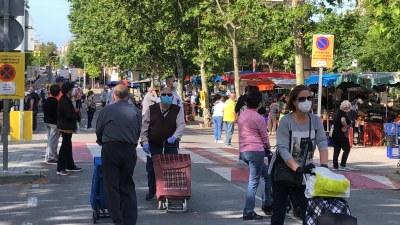 Els mercats no sedentaris recuperen els horaris habituals per a la venda d'alimentació
