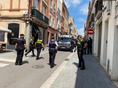 Operatiu conjunt de Policia Local, Mossos d'Esquadra i Policia Nacional. Foto: Ajuntament