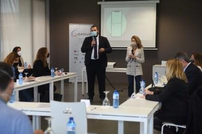 D'esquerra a dreta, l'alcalde de Mataró, David Bote, i l'alcaldessa de Gavà, Raquel Sánchez.