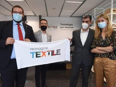 L'alcalde, David Bote, el regidor d'Empresa i Ocupació, Sergi Morales, i el director general de Negoci del Centre Tecnològic Eurecat, Miquel Rey.