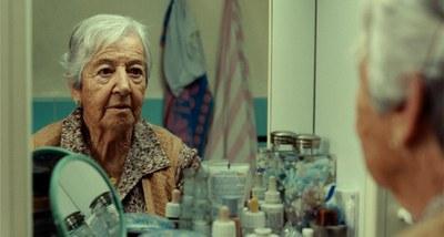 Activitats Casals Gent Gran: Documental Luisa no está ...